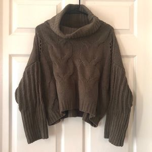 Moon & Madison crop turtle neck sweater